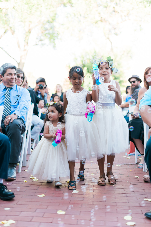 riverside-southern-california-wedding-photographer-ica-imagesceremonybubble-flowergirls