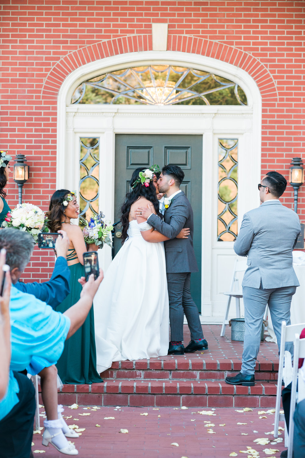 riverside-southern-california-wedding-photographer-ica-images-first-kiss-ceremony