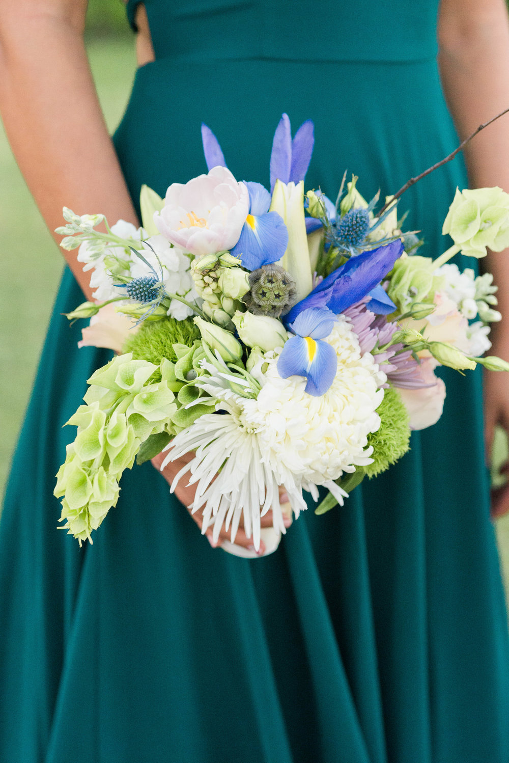 riverside-southern-california-wedding-photographer-ica-images-green-bouquet