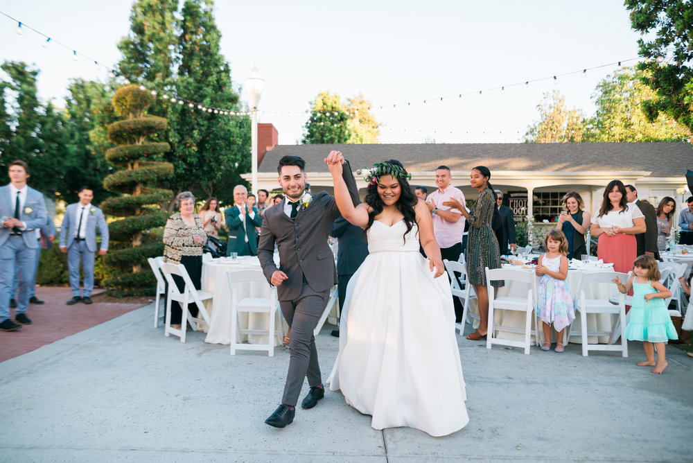 riverside-southern-california-wedding-photographer-ica-images-succulent-decorations-green-gold-entrance