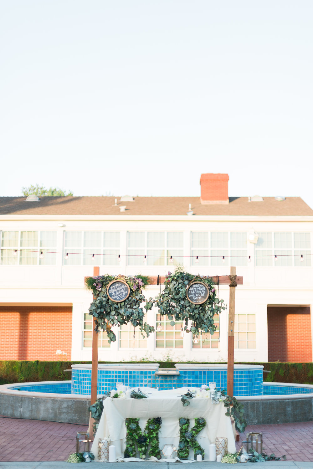 riverside-southern-california-wedding-photographer-ica-images-succulent-decorations-green-gold