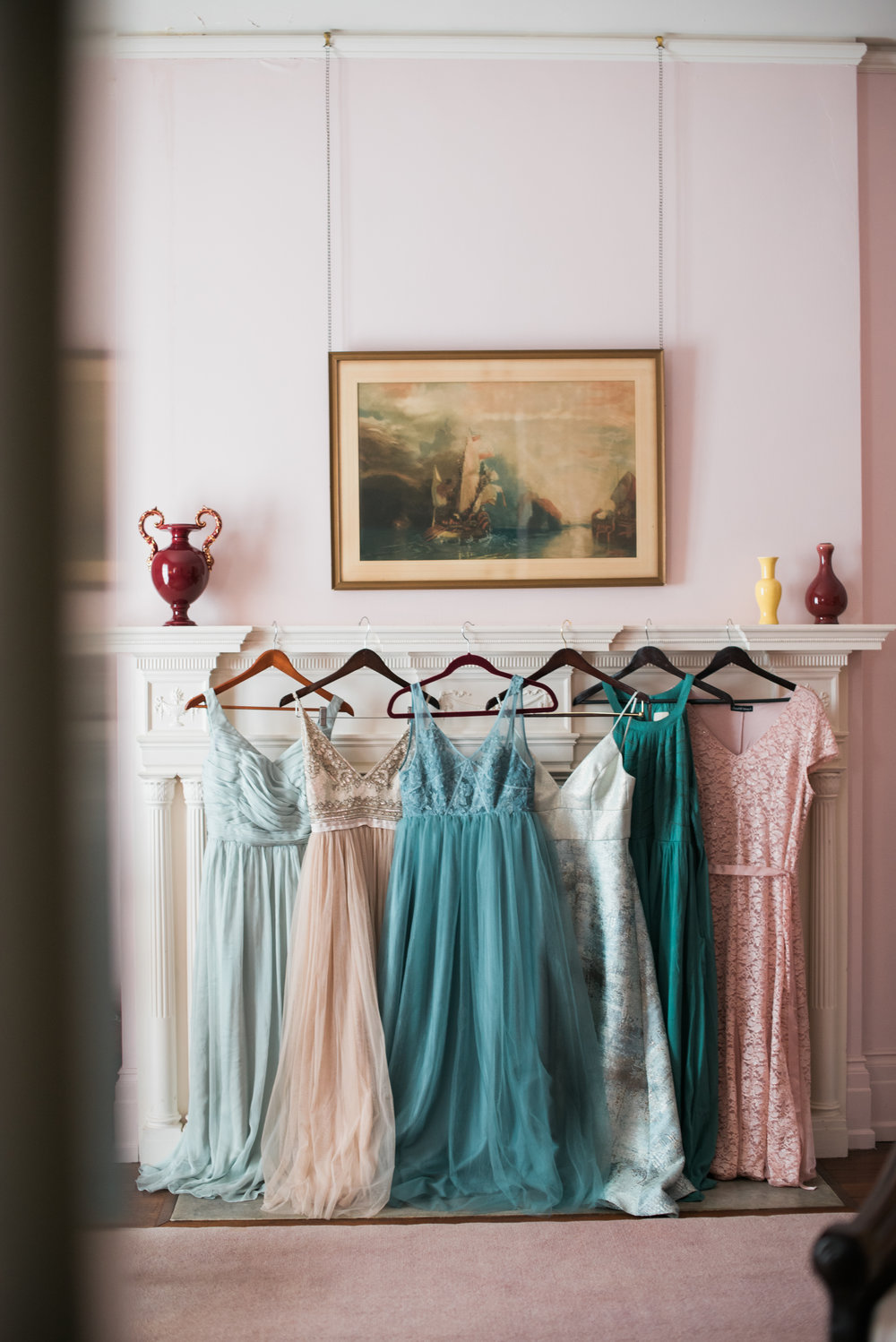 classic-romantic-wedding-maryland-photographer-strong-mansion-bridesmaid-mixed-dresses