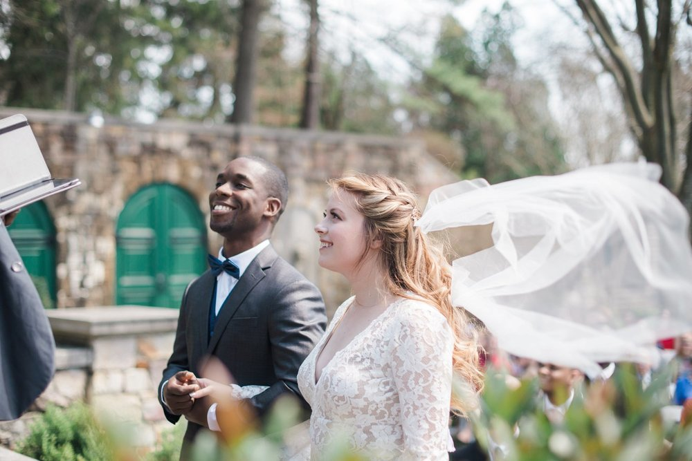classic-romantic-wedding-maryland-photographer-strong-mansion-sentimental-ceremony-windy-veil
