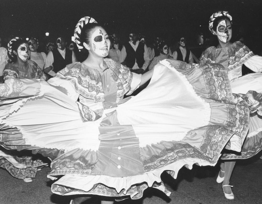 dancers (1 of 1)sm.JPG