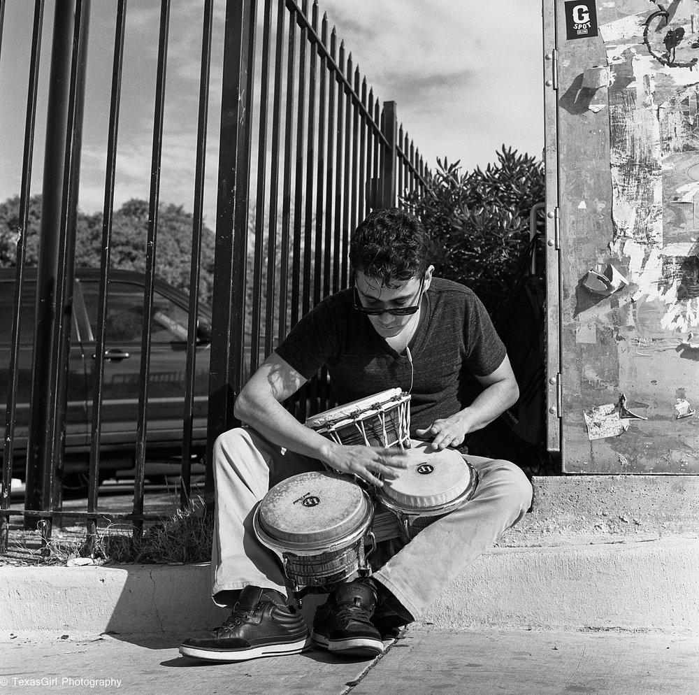 bongo drummer-824.jpg
