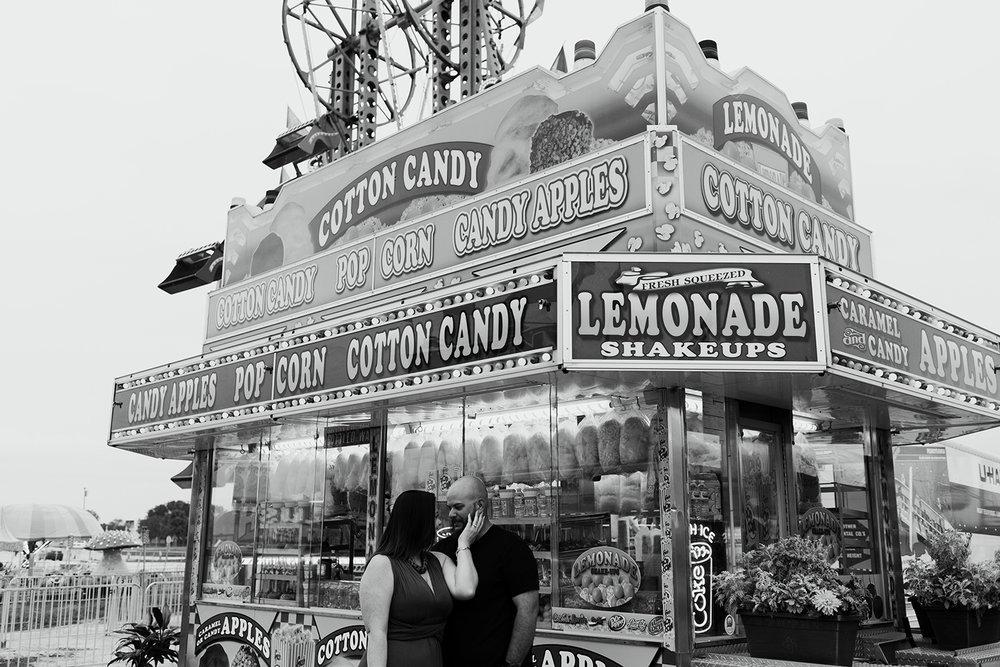 lemonade-stand-elopement.jpg