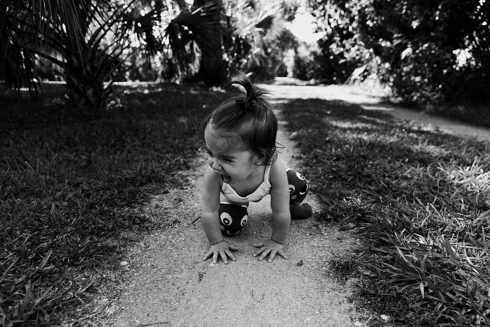 toddler-having-meltdown-family-portraits-melbourne-fl.jpg