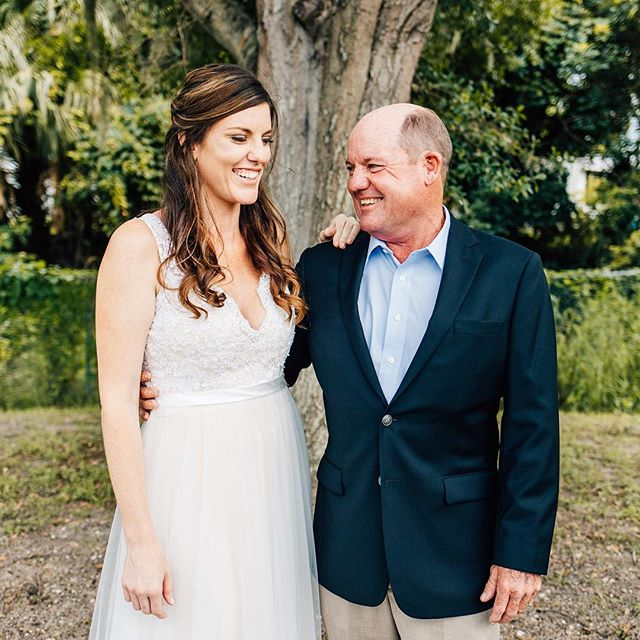 Figured I'd break up the IG feed with a sweet family formal. Megan's dad cracked me up all night long— such a fun loving, outgoing bunch! ✨ The Kemp's wedding reception is up on the blog and it's a party you don't want to miss! Link in bio. ✨ @riversedgeeventcenter  @somethingsweetcakestudio  @djmasterkeyweddings