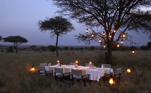 Olakira-Camp-bush-dinner-2.jpg