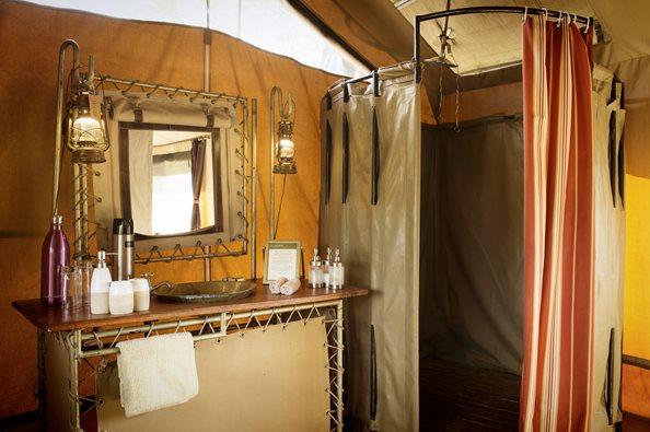 Olakira-Camp-Guest-Bathroom-Eliza-Deacon-MR.jpg
