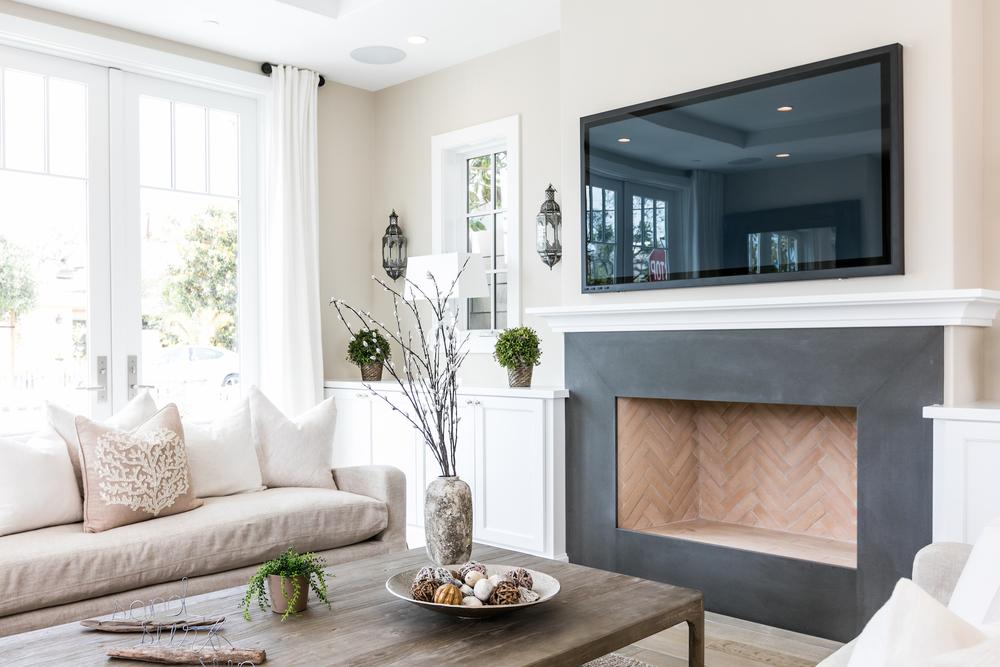 Acacia 600 Living Room 4.jpg