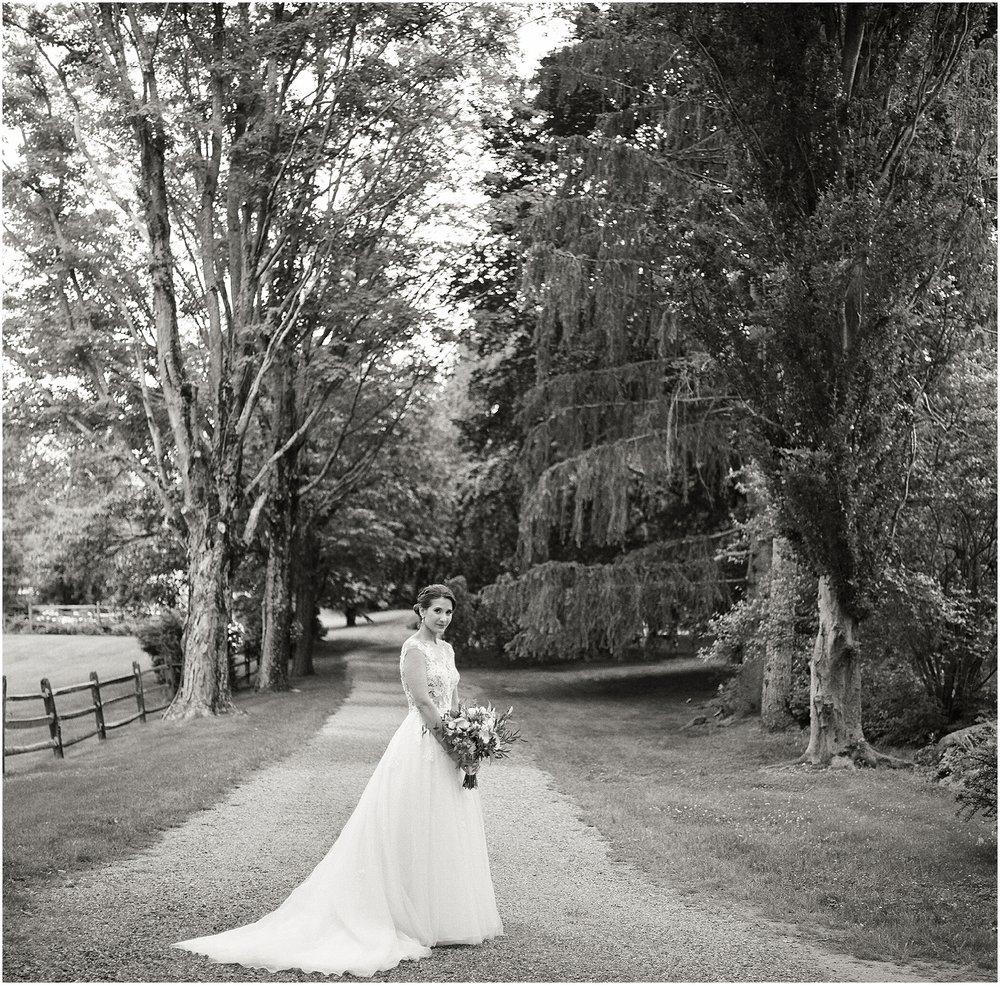Crossed Keys Estate Wedding by Flora + Fauna | Ty + Jenna 0028.jpg