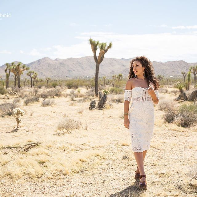Who wants to go to Cali for a senior shoot? 🙋🏻♀️ #christyschmidphotography #joshuatree