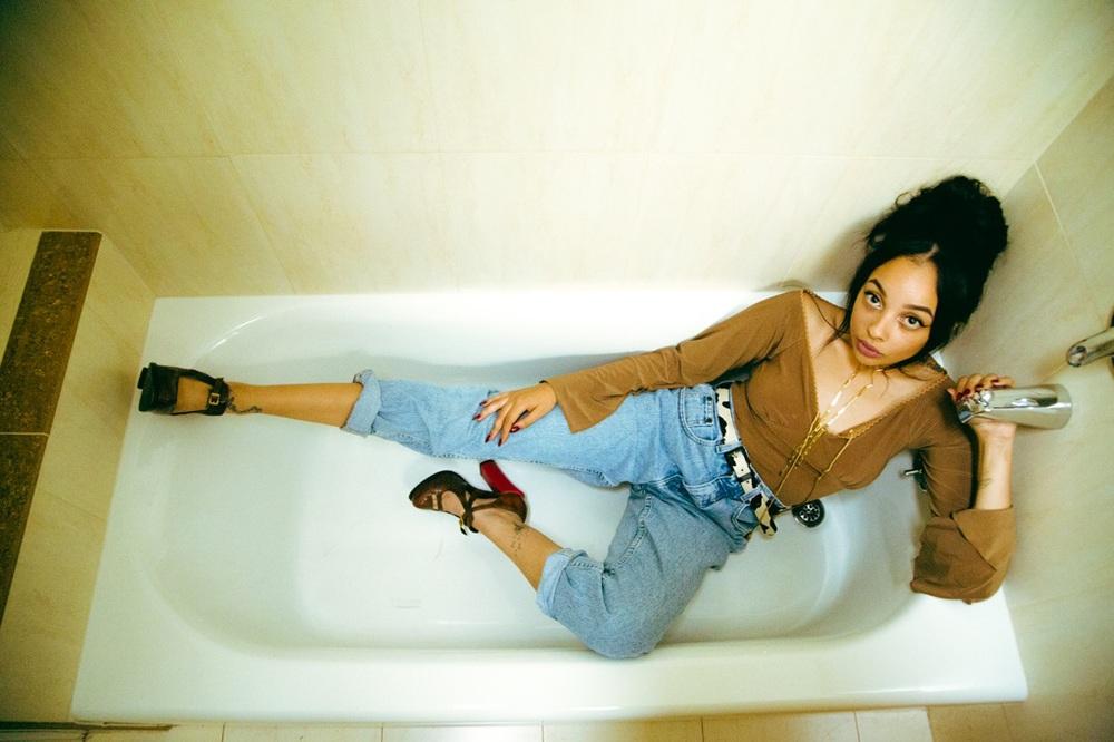 Teisha (@Taysadoll) Shot By Julian Edward