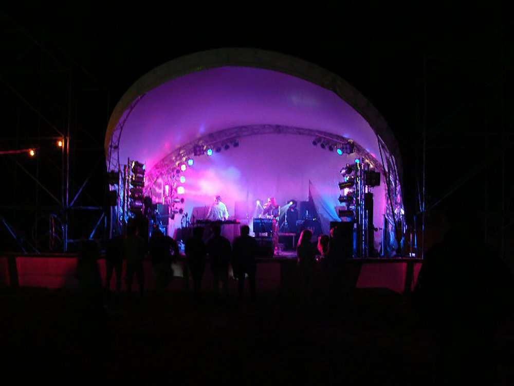 Small Hood Stage – Matakana