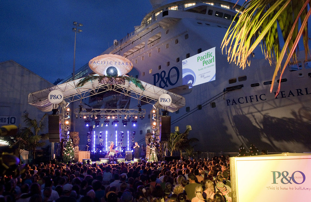 P+O Cruise Ship, Pacific Pearl Arrival