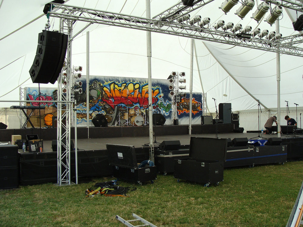 Split Level Stage in Stretchy (Schupepe) Tent