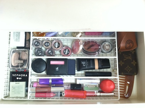 how to organize makeup