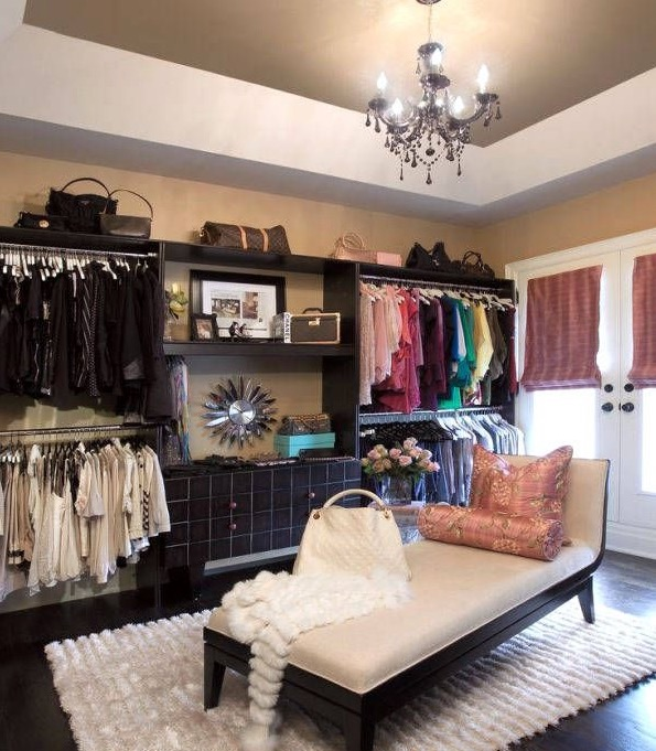 How to Clean your Closets
