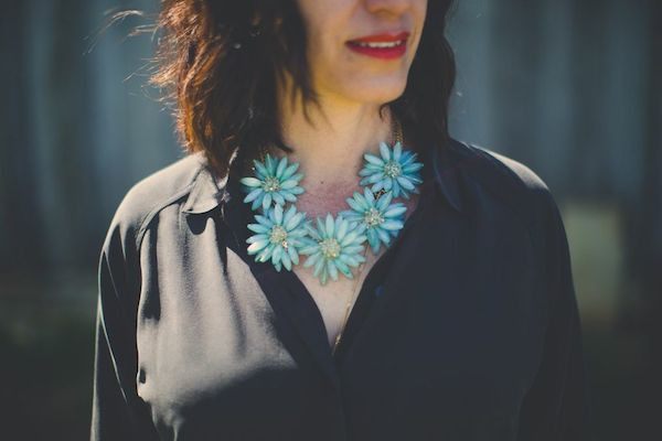 blue flower necklace