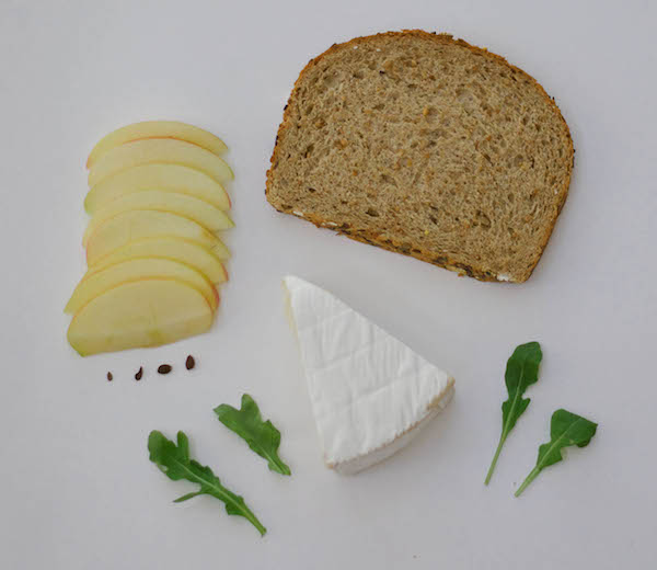 apple/brie/arugula toast ingredients