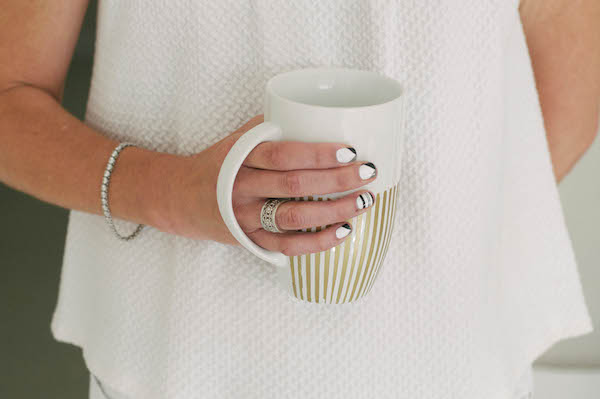 Starbuck's Pumpkin Spice Latte Taste Test | Popcosmo.com