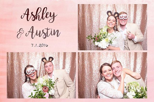 What an amazing wedding for Ashley and Austin in Grand Teton National Park! So many photobooth favorites! And we love that new rose gold backdrop! #grandtetonnationalpark #itmossbelove