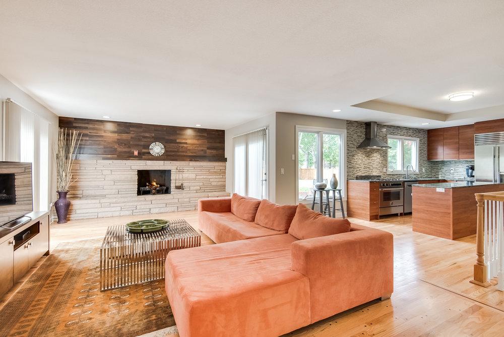 8800 Living Room.jpg