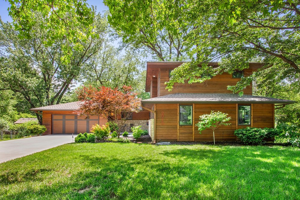 2915 W 93rd Terrace | For Sale!