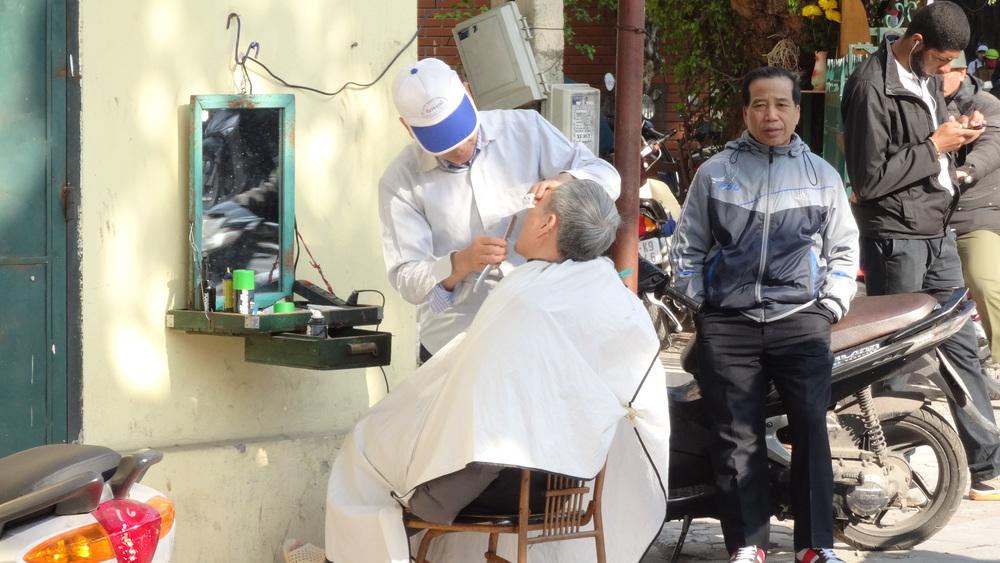Hanoi barber.