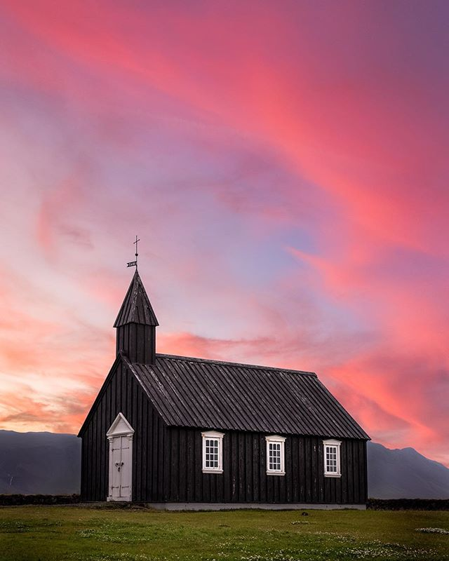 Almost one month until I'm back in Iceland with @voyedgerx! 🇮🇸 - This image is actually a composite of two images. One for the sky, one for the church itself. Check out my @instagram Stories for how I made this photo!