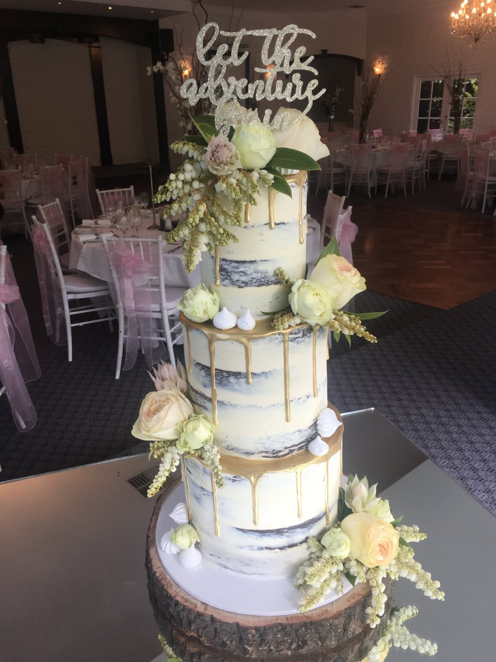 wedding cakes melbourne price cakes wedding cakes melbourne creme de la cakes 25017