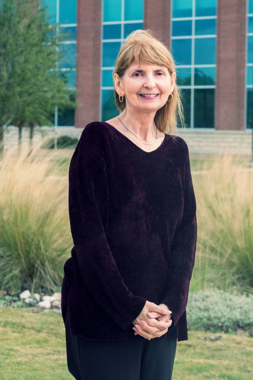 Dr. Karen Wakefield,  Faculty Consultant    Soon after its creation, I was honored to become the Synapse Faculty Editor. The Synapse is a medium for medical students and others in the College of Medicine to express their individual creativity in a format that can be read and revisited over time. Each article, poem, or picture opens a window for us to see into the humanity of medicine. In my free time, I enjoy reading, learning about history, cooking, and quilting.