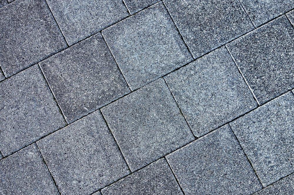 pavement-2958741_1920.jpg