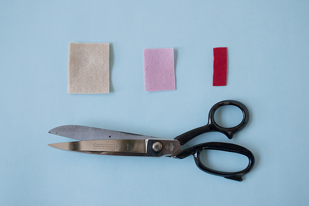 Step 4  ICED VOVOS (make three) Cut a cream rectangle approximately 5 x 4cm in size. Cut a smaller pink rectangle about 3 x 4cm in size. Cut a thin red rectangle, 1 x 4cm in size.