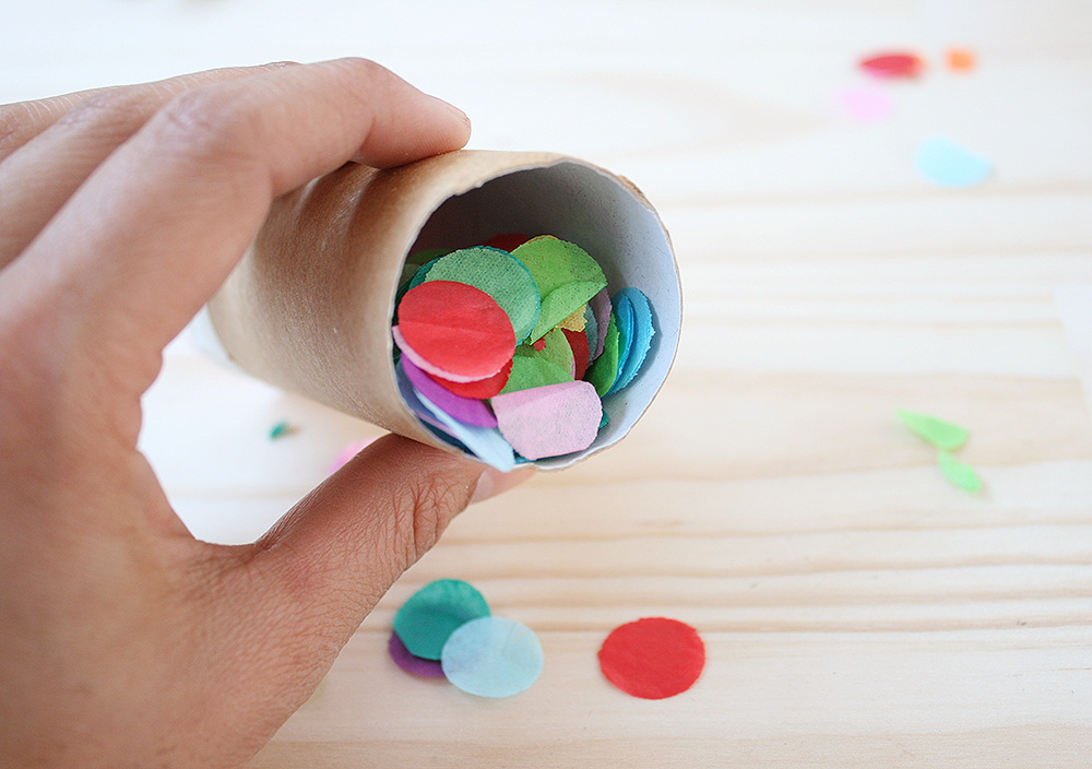 Step 5   Fill the roll with confetti (and little lollies or trinkets if you like!).