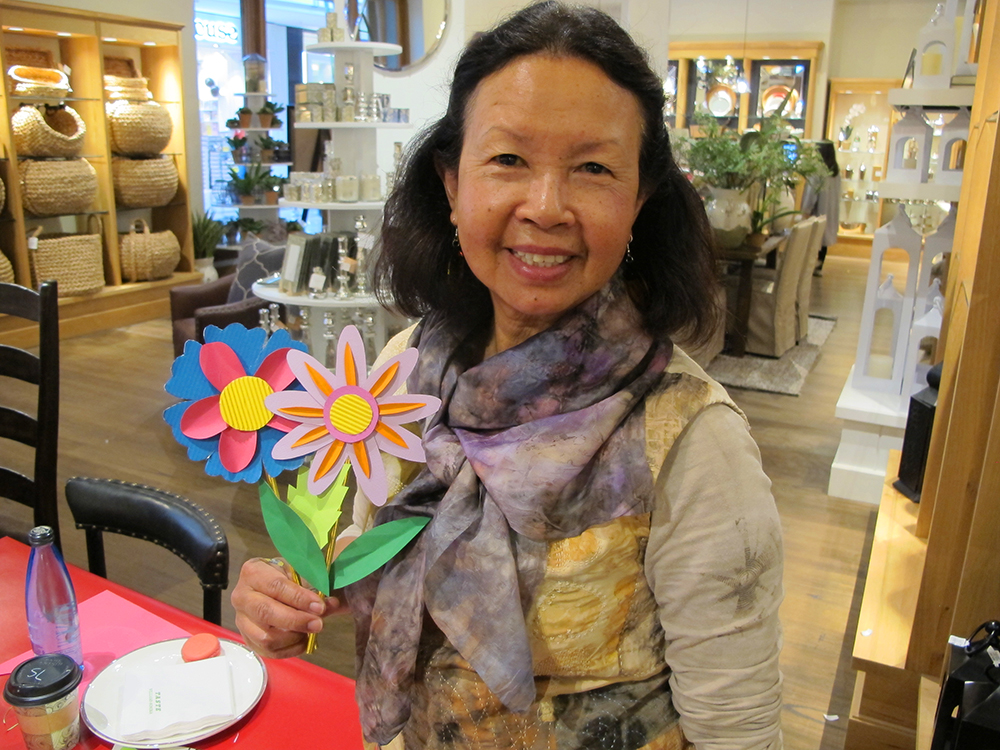 KitiyaPalaskasPaperFlowerWorkshop