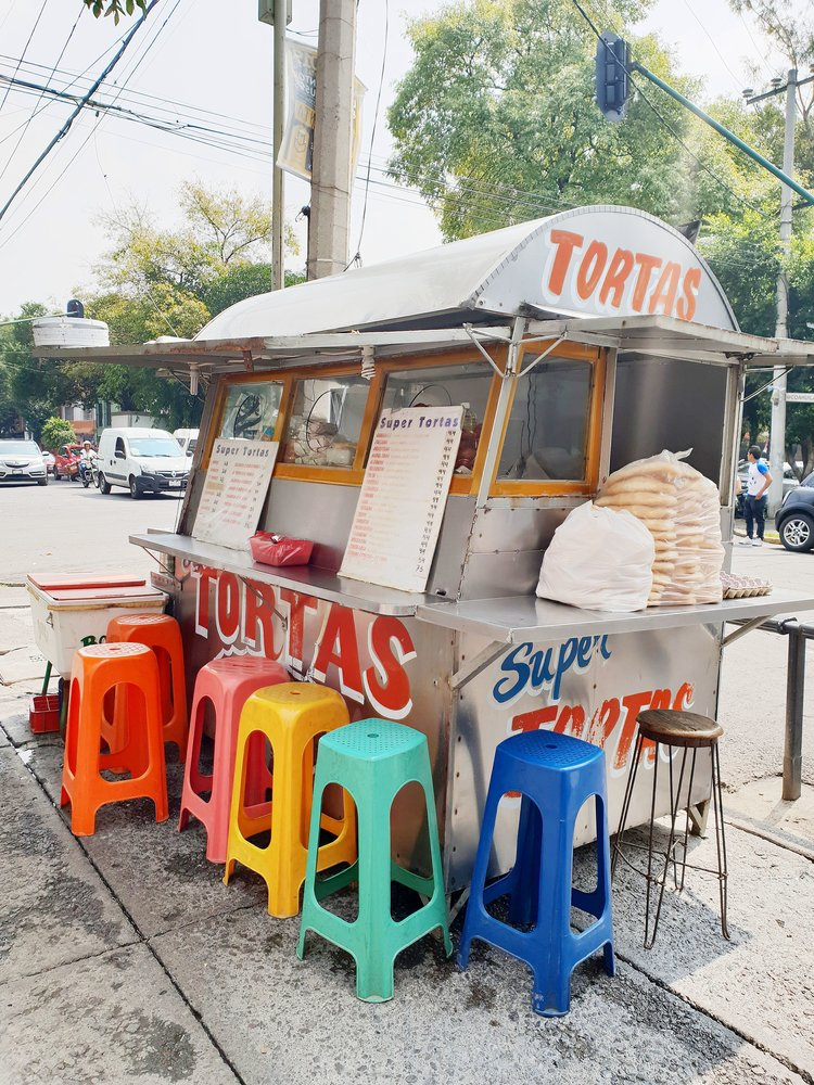 Torta stand by Kitiya Palaskas.jpg