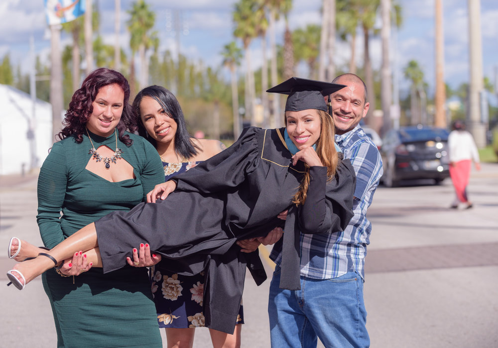 Lisa_UCF_Graduation_Photography_Clos_Camerawork_Social_Media-7.JPG