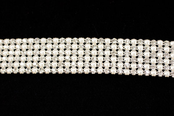 Pearl & Diamante belt trim