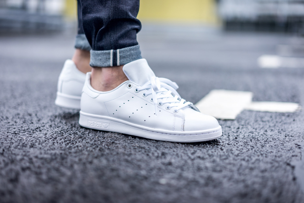stan smiths all white 2.jpg