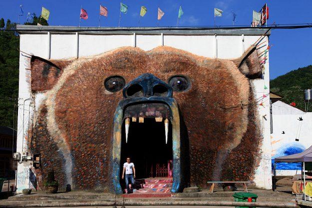 street art tourism 3.jpg