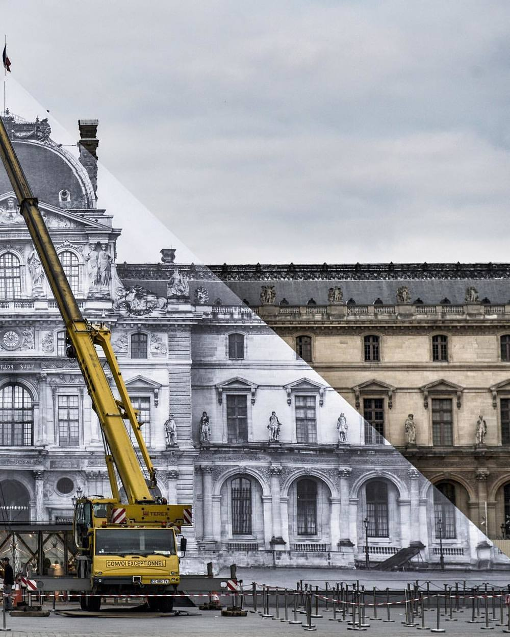 Louvre pyramid 3.jpg