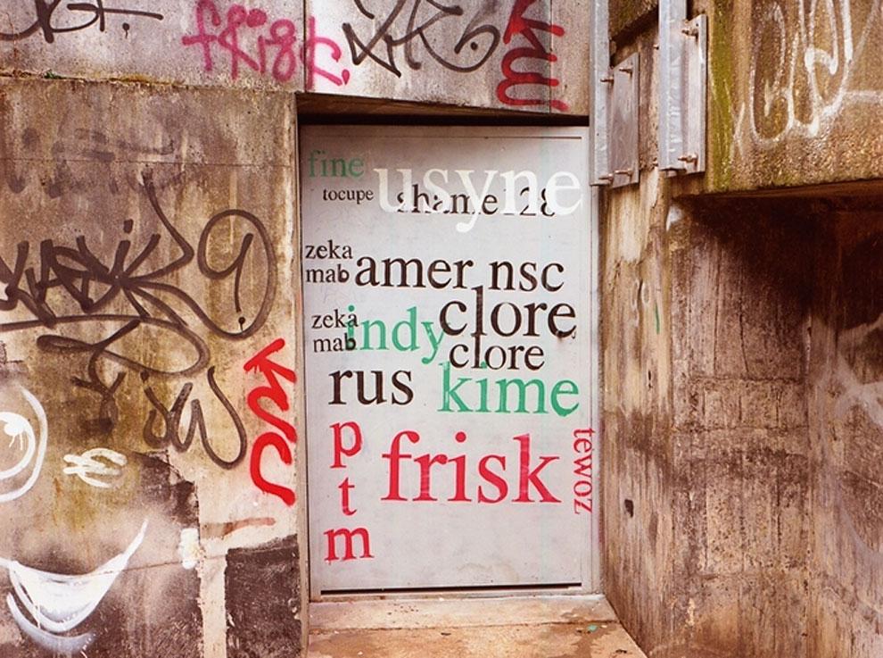 Artist-trolls-graffiti-taggers-10.jpg