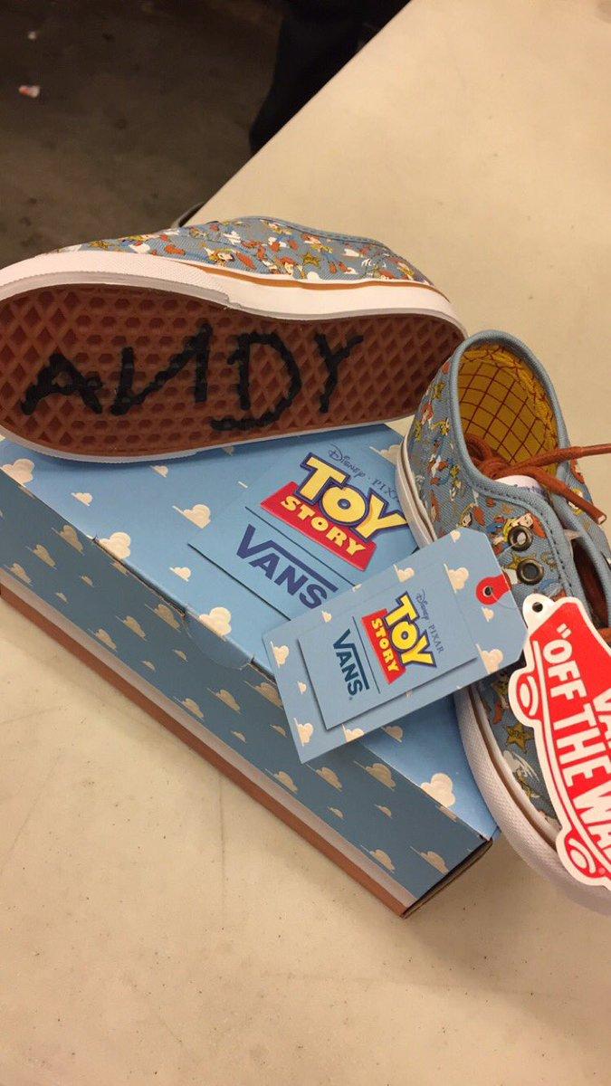 Vans x Toy Story 1.jpg