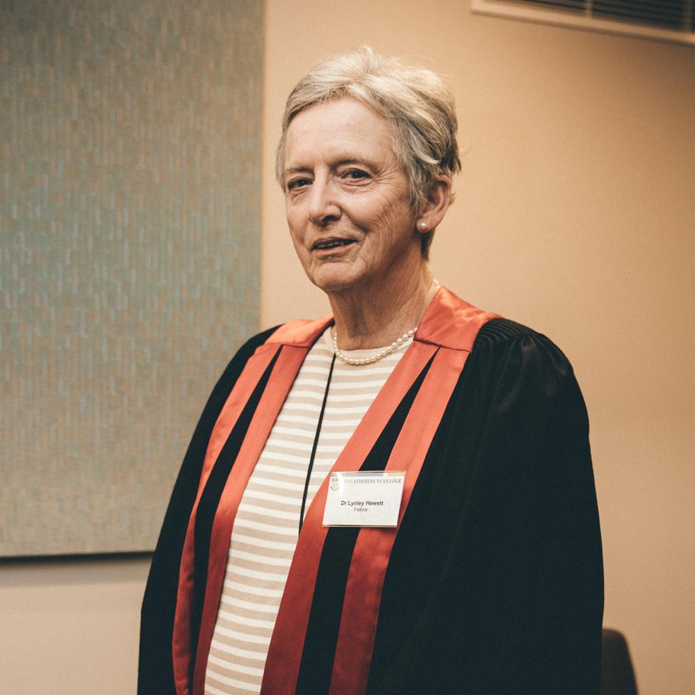 Dr Lynley Hewett