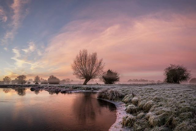 The first of a few from another glorious frosty and misty morning at Flatford on the River Stour.  #landscapephotography #landscapelover #landscape_captures #landscapes #hpow #appicoftheweek #picoftheday #picoftheweek #photooftheday #landscape_photography #landscapecaptures #landscapephotomag #getoutside #scape_captures #LPM #fotocatchers #flatfordmill #osmaps #bestukpics #visitsuffolk #ukgreatshots #bestukpics #ukshooters #topukphoto #ukpotd #scenicbritain #britishlandscape #lovebritain #canonuk #stour