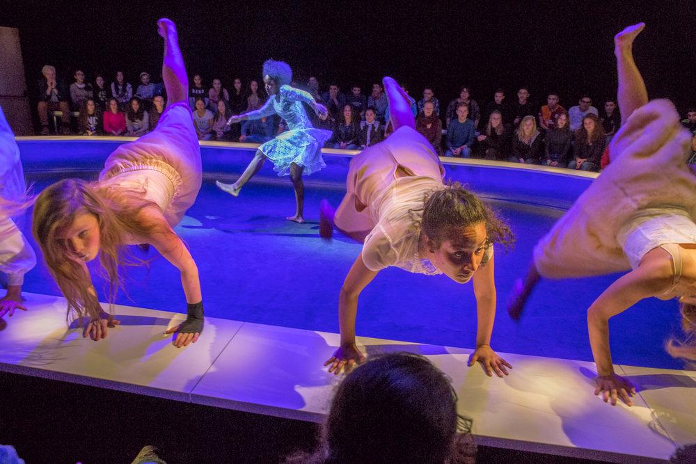 HR 6 Voorjaarsoffer_Maas theater en dans ®PhileDeprez.jpg