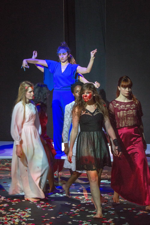 HR 12 Voorjaarsoffer_Maas theater en dans ®PhileDeprez.jpg