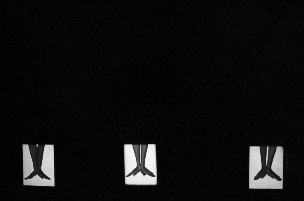 Il Pudore Bene in Vista, 1991, seggiolini quadrati di luce.jpg